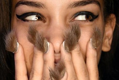 Furry nails, moda, tendencia, uñas curiosas, diseños de uñas,