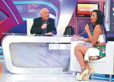 presentadora de televisión, Venya Carolina, Escala TV,