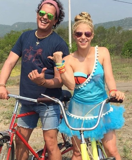 Shakira, Carlos Vives, Colombia, Barranquilla, video, playa, instagram,